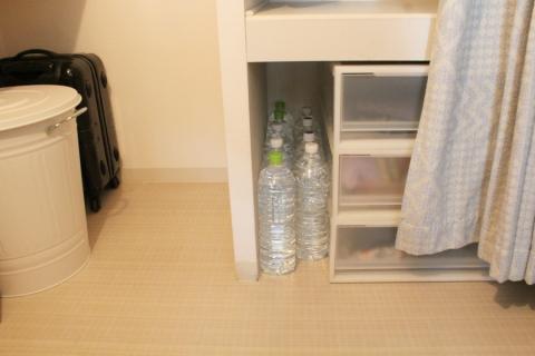 災害用の備蓄の収納,家庭での水の災害用備蓄