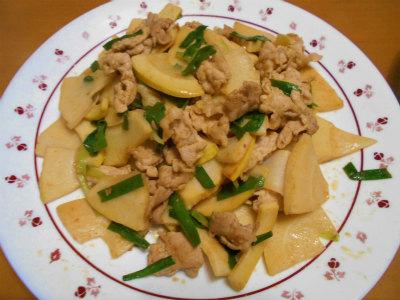 4.25筍と豚肉のピリ辛炒め