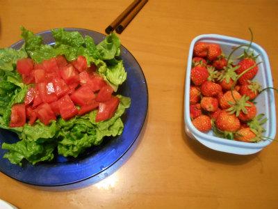 5.16簡単サラダと苺