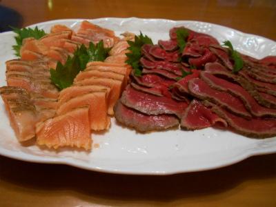 8.23炙りサーモンと牛のタタキ