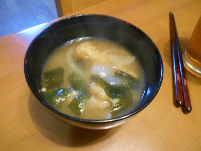 8.25ワカメと揚げの味噌汁