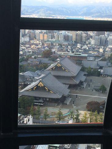 京都タワー展望台から東本願寺_H29.11.04撮影
