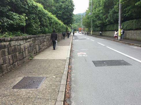 東一条通り・京大正門付近_H30.06.15撮影