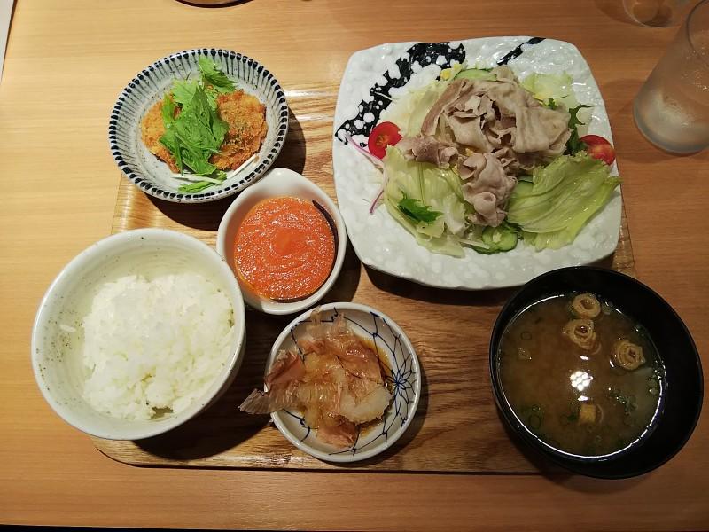 やよい軒彩野菜の豚しゃぶ定食2018