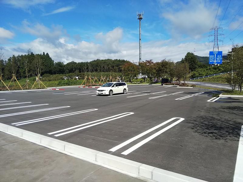 ふれあいパーク駐車場