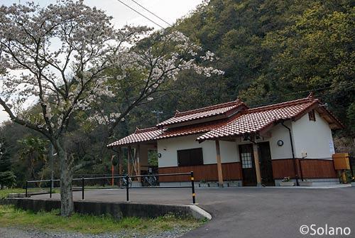 JR西日本・山陰本線、湯里駅駅舎