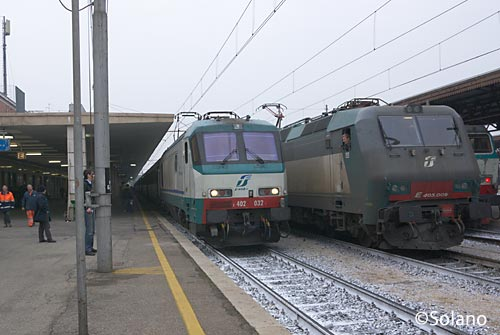 ヴェローナに到着した特急列車EC85。ここで機関車交換。