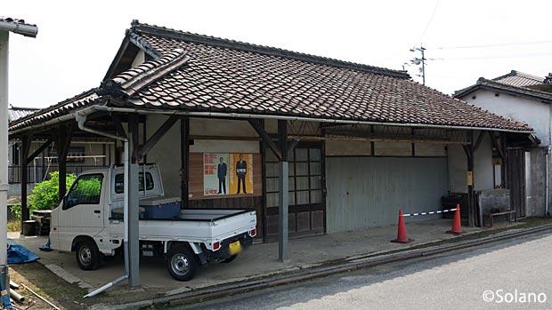 民間に払い下げ移築された吉備線・服部駅旧駅舎