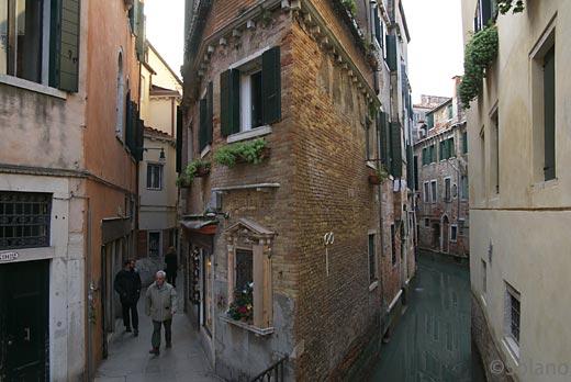 イタリア・ヴェネツィア、運河と街の幻想