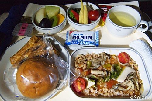 JALビジネスクラス、2回目の機内食のリゾット
