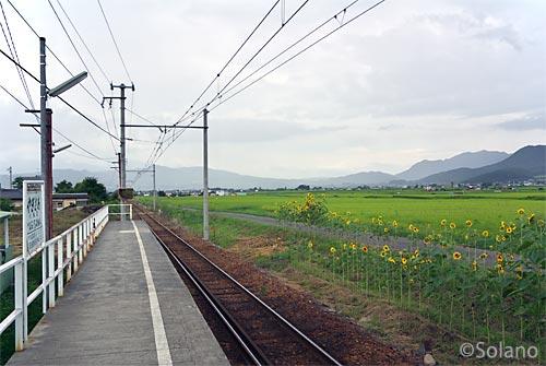 上田電車・八木沢駅、信州塩田平の広々とした眺め