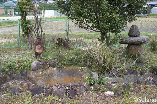 JR西日本・関西本線・佐那具駅プラットホームの池庭跡に…