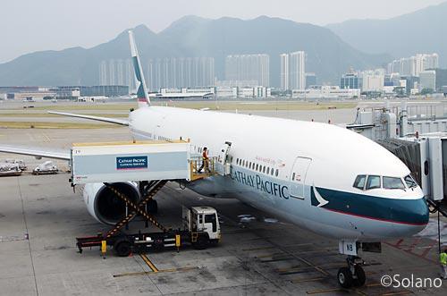 香港国際空港、キャセイパシフィック航空のB777-200