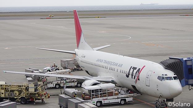 中部国際空港の日本トランスオーシャン航空のB737-400
