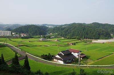 木次線の車窓、山里の田園風景