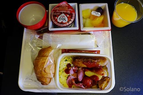 JALロンドン線、PYクラス2回目の機内食の朝食