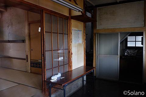 島原鉄道・南島原駅、駅舎内部の休憩室・宿直室