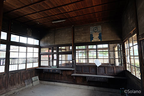 筑肥線・肥前長野駅、駅事務室も廃品が撤去されきれいに