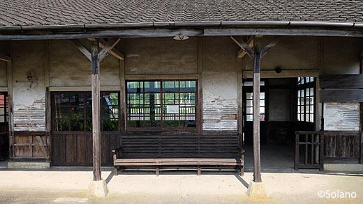 JR九州・筑肥線、肥前長野駅。駅舎ホーム側も改修された