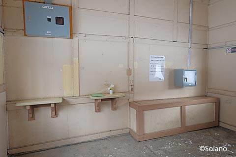 JR北海道・石北本線・下白滝駅、木造駅舎の窓口跡