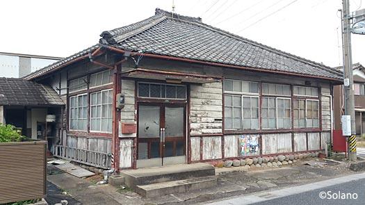 JR東海・高山本線・古井駅近くの郵便局だった木造建築
