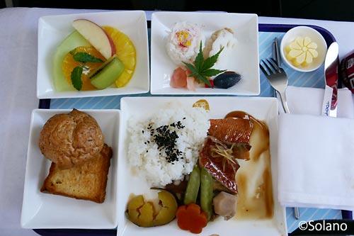 中国東方航空、ビジネスクラス機内食
