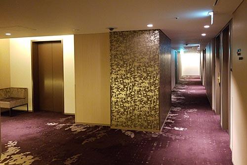 ホテルメトロポリタン・さいたま新都心、客室フロアの通路