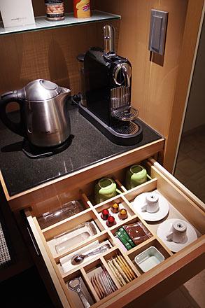 スイスホテル南海大阪、客室のエスプレッソマシーン