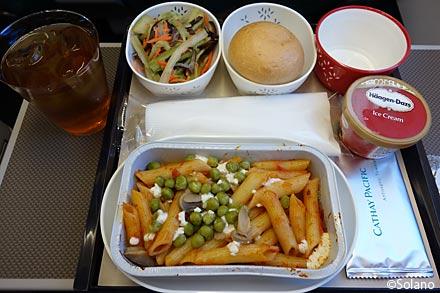 キャセイパシフィック航空プレミアムエコノミークラス機内食