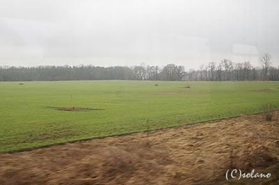 プラハ発ウィーン行きEC77の車窓、チェコの田舎風景