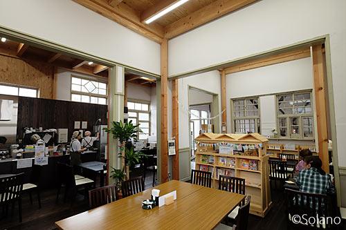 高架工事中、浜寺公園駅旧駅舎を活用した「カフェ駅舎」