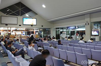 宮古空港、搭乗待合室