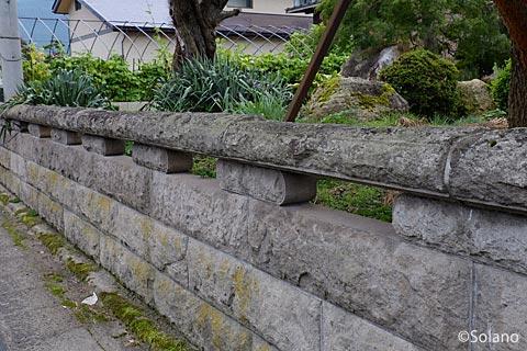 南陽市・中川駅近く、地元産出の中川石の石垣