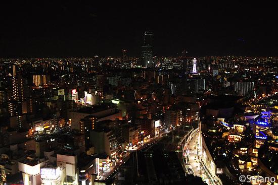 スイスホテル南海大阪の客室から見た大阪・なんばの夜景