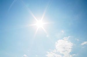 太陽・2010・5・22・14時59分・300px・フォトック
