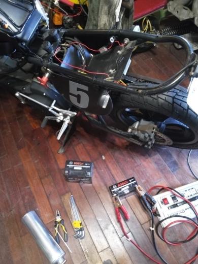 単車バッテリー交換 (7)