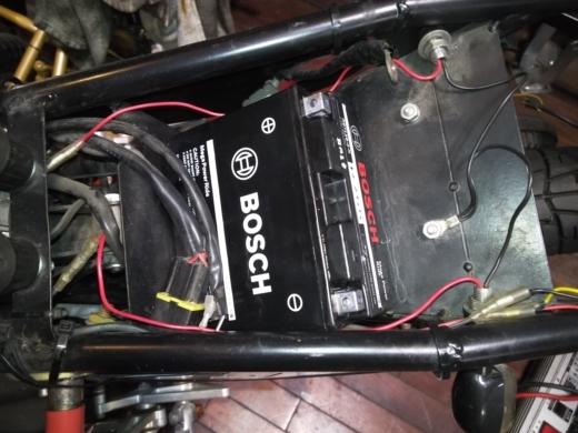 単車バッテリー交換 (9)