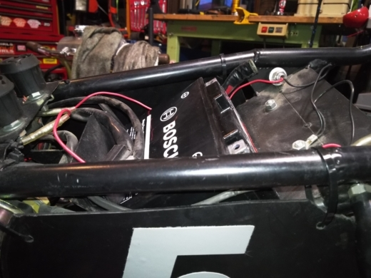 単車バッテリー交換 (10)