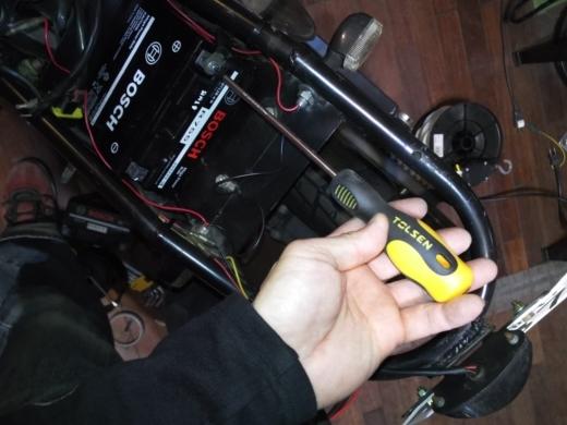 単車バッテリー交換 (13)