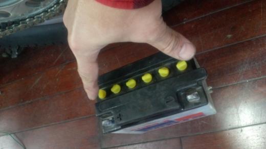 バッテリー交換 (1)