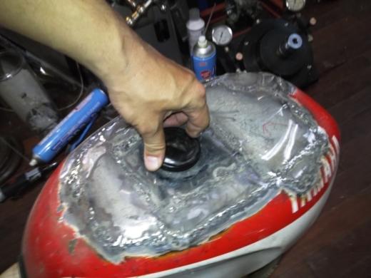 ガソリンタンク溶接 (37)