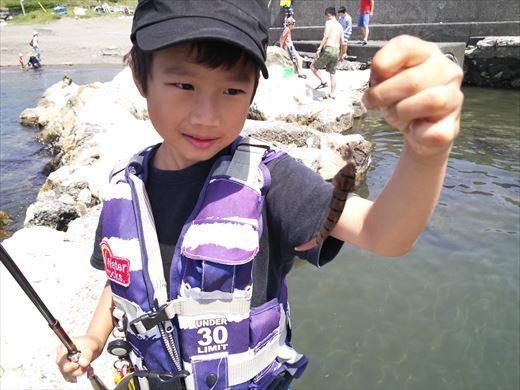 トンビ磯で釣り (23)