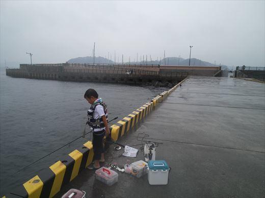 雨なのに釣り(^_^;) (2)