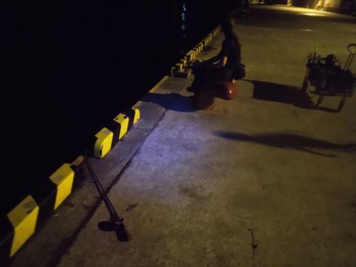 1日目の野伏港夜釣り (2)