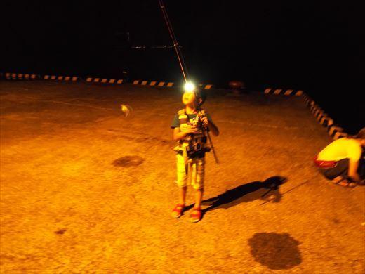 式根島2日目夜釣り (32)
