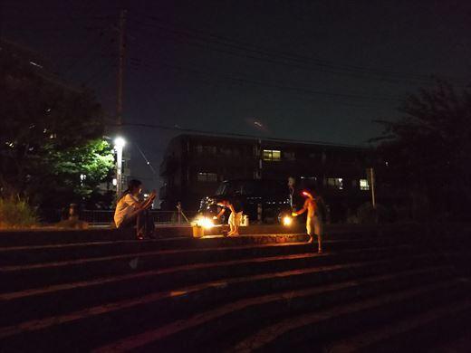 綾瀬川で花火? (7)