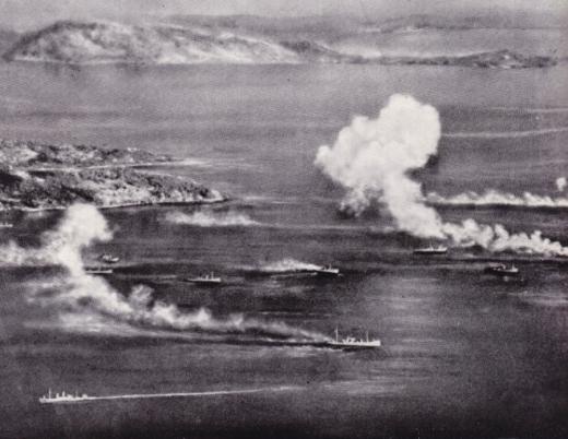 トラック島空襲逃げ回る日本商船