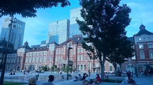 東京駅前20180815