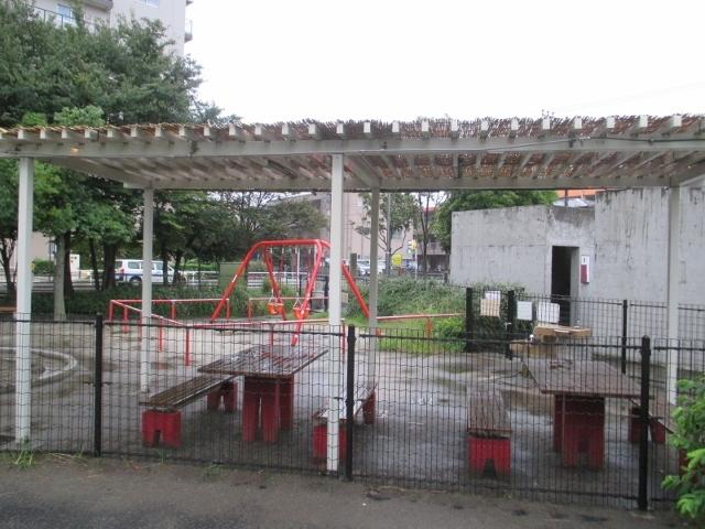 栄公園のミスト噴射口