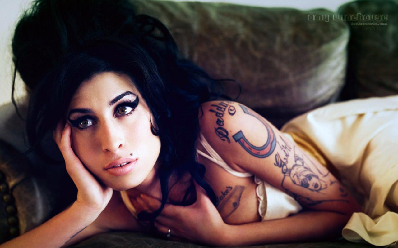Amy-winehouse1_convert_20180824015243.jpg